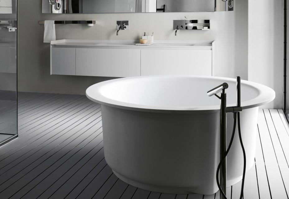 Evo-C bathtub