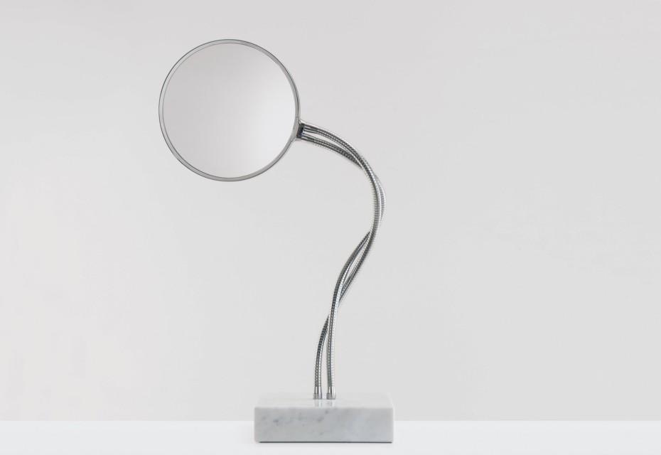 Fusilli mirror free standing