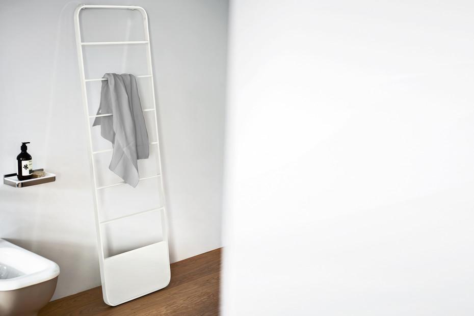 Memory towel rack