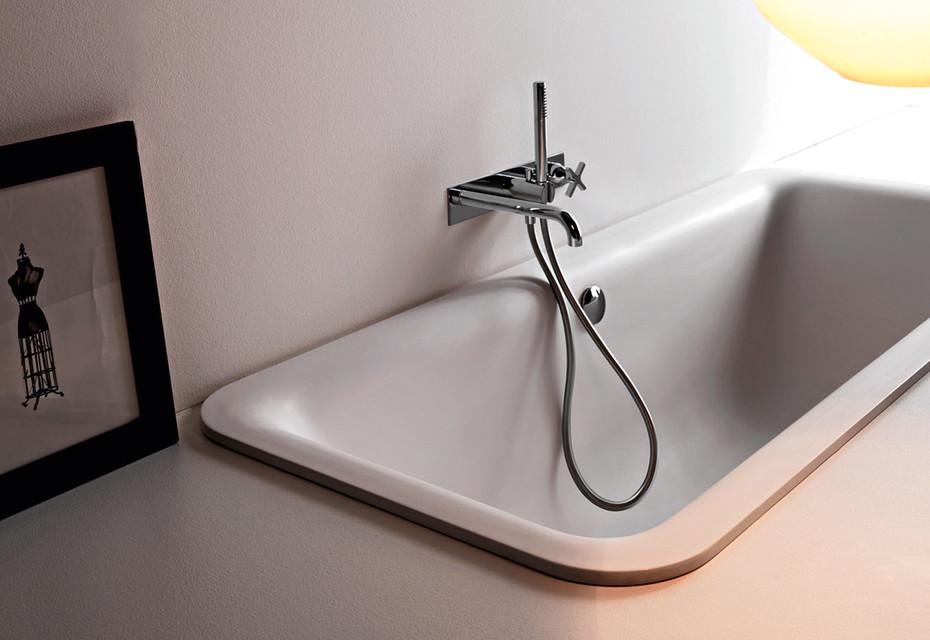 Novecento bathtub