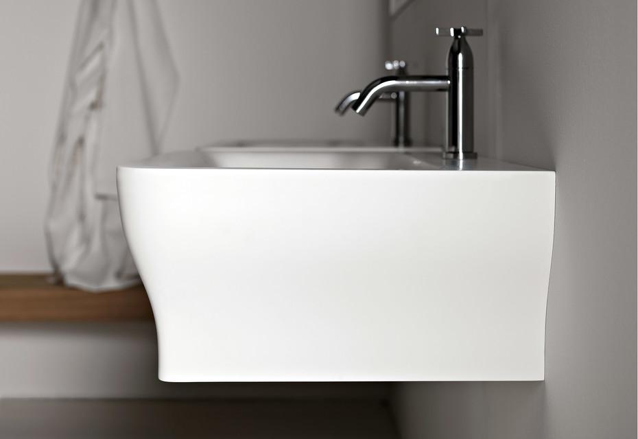 Novecento wall-mounted washbasin