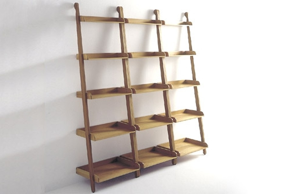 Stairs towel holder with shelves