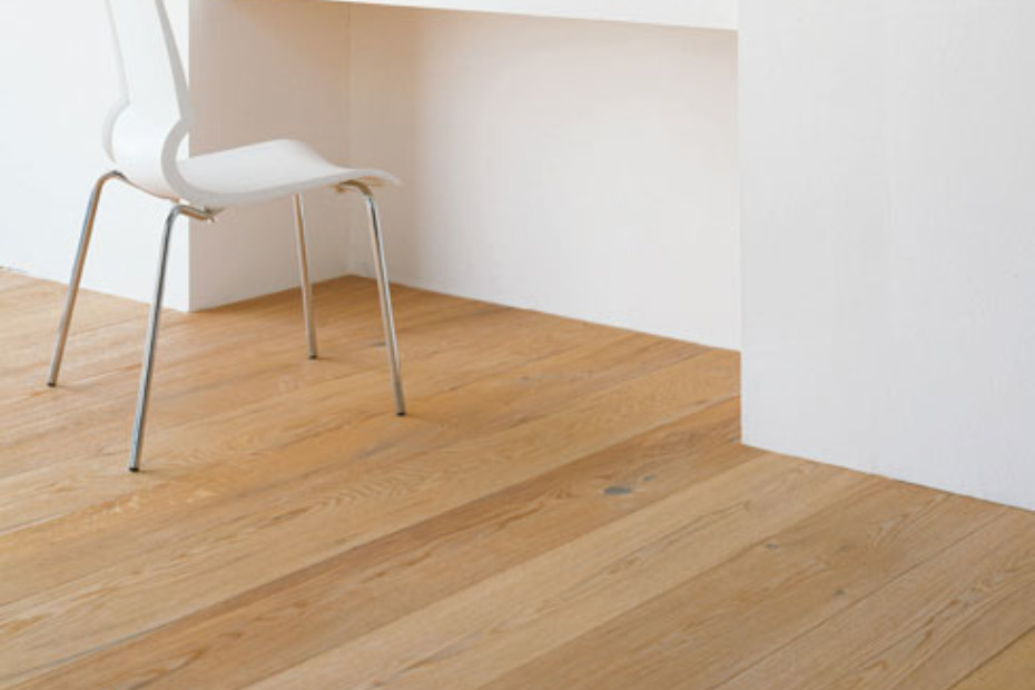 "Oak Antique ""wormy"" Wide-Plank"