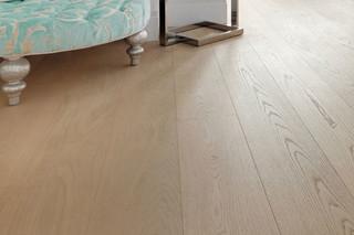 Oak Clear Wide-Plank  by  mafi