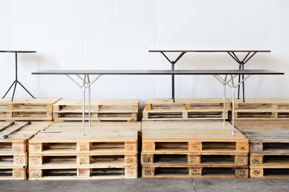 OFFICINA rectangular dining table