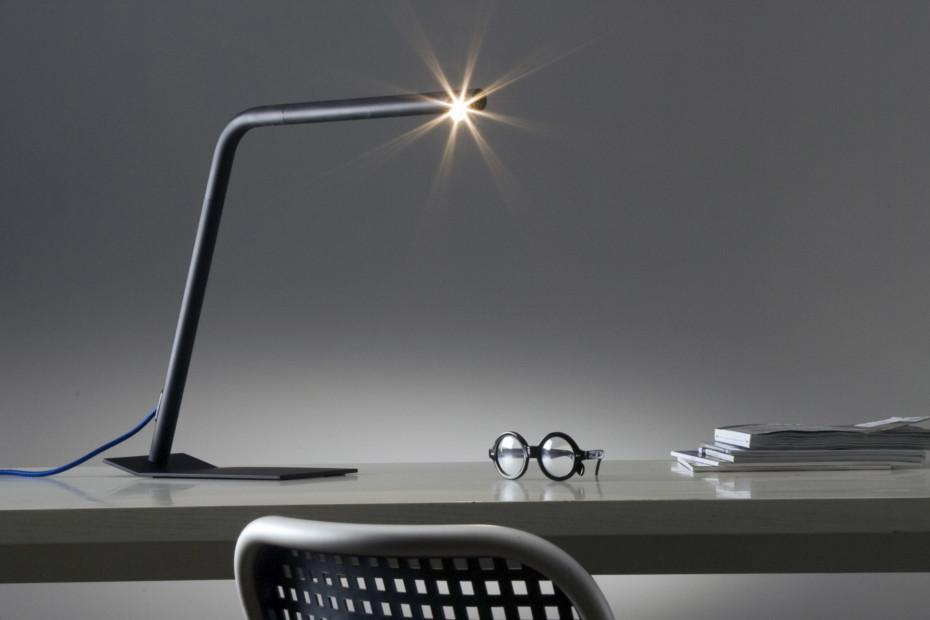 Colibri table light