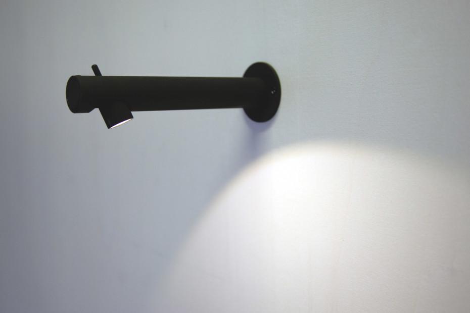 Colibri wall light