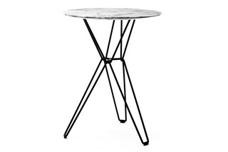 Tio Table round high  by  Massproductions