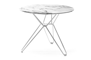 Tio Table round low  by  Massproductions