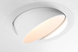 Smart lotis  by  Modular Lighting Instruments