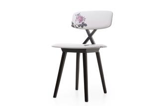 5 o´clock chair  by  Moooi