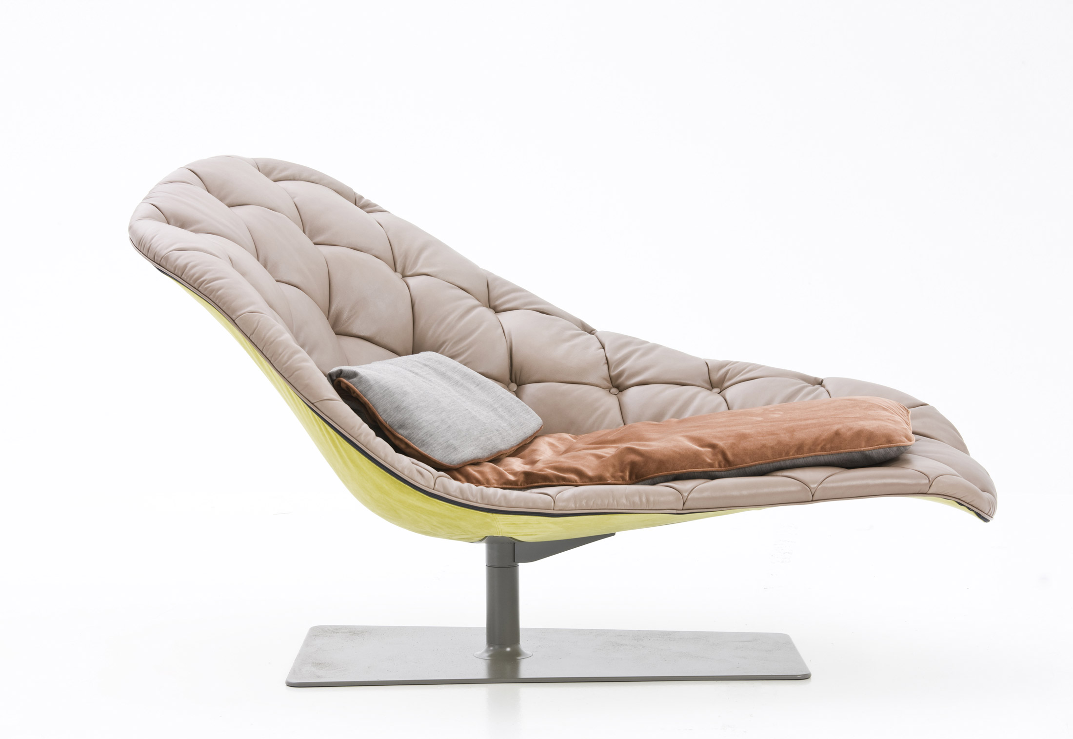 Bohemian chaise longue by moroso stylepark for Chaise longue chilienne