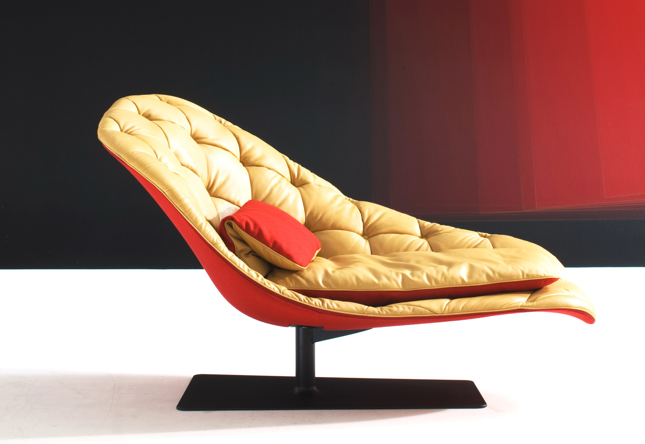 Bohemian chaise longue by moroso stylepark for Chaise longue manufacturers