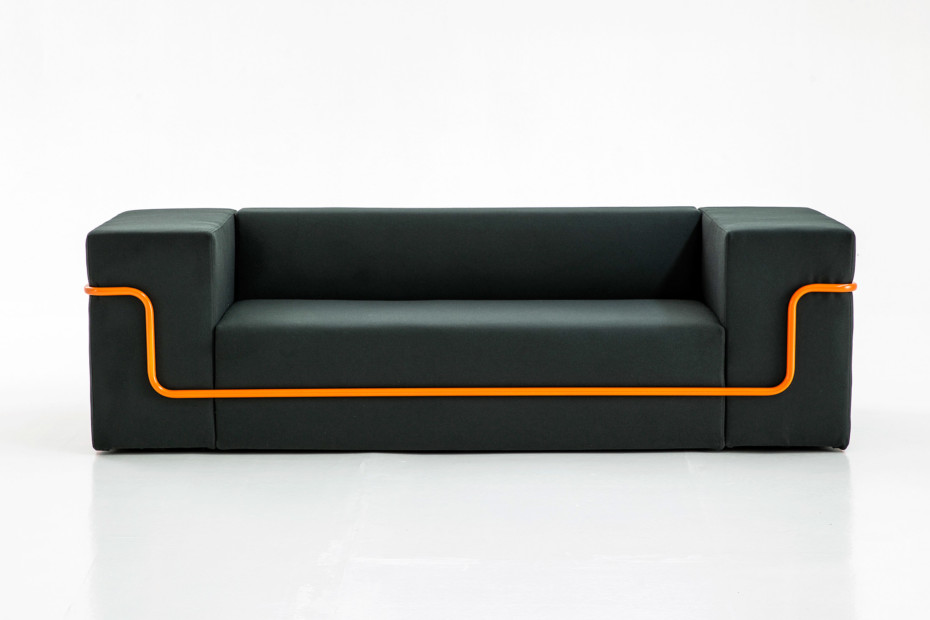 Conduit sofa
