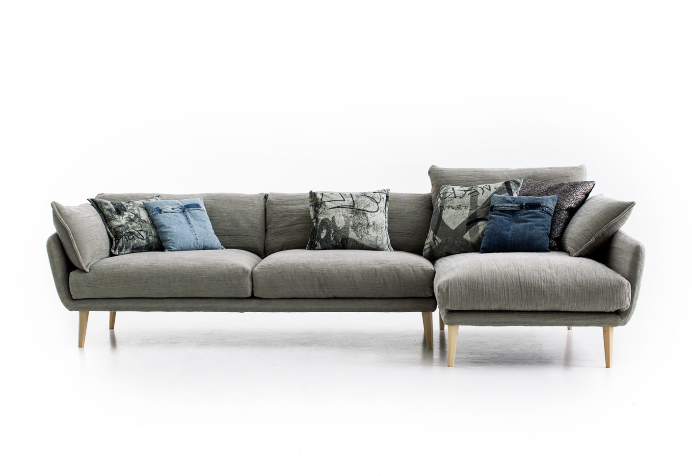 diesel collection sister ray sofa by moroso stylepark. Black Bedroom Furniture Sets. Home Design Ideas