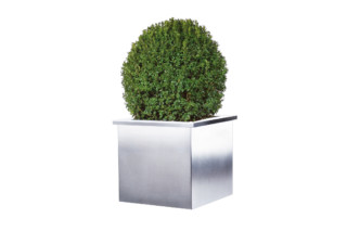 Akzent plant pot  by  MWE