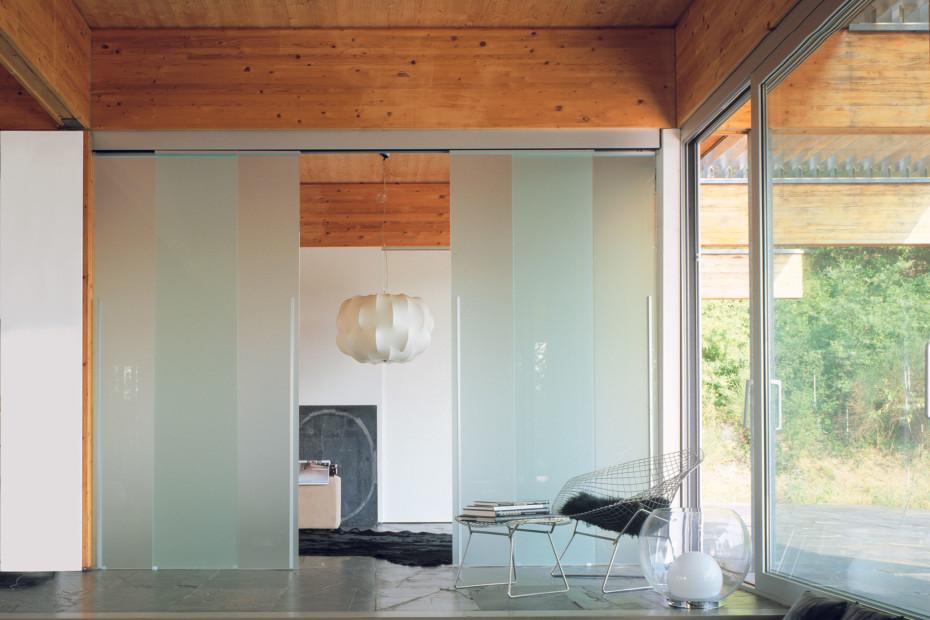 Dot double sliding door