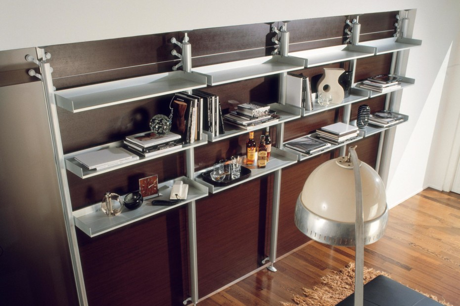 Sail equipped wall-unit