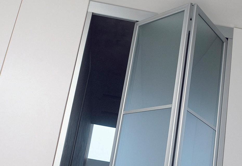 Screen folding door