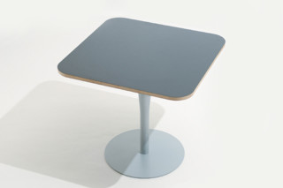 atlas table 785  by  Alias