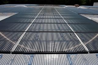SOLYNDRA® Solar mit EVALON® Dachbahnen  von  Alwitra