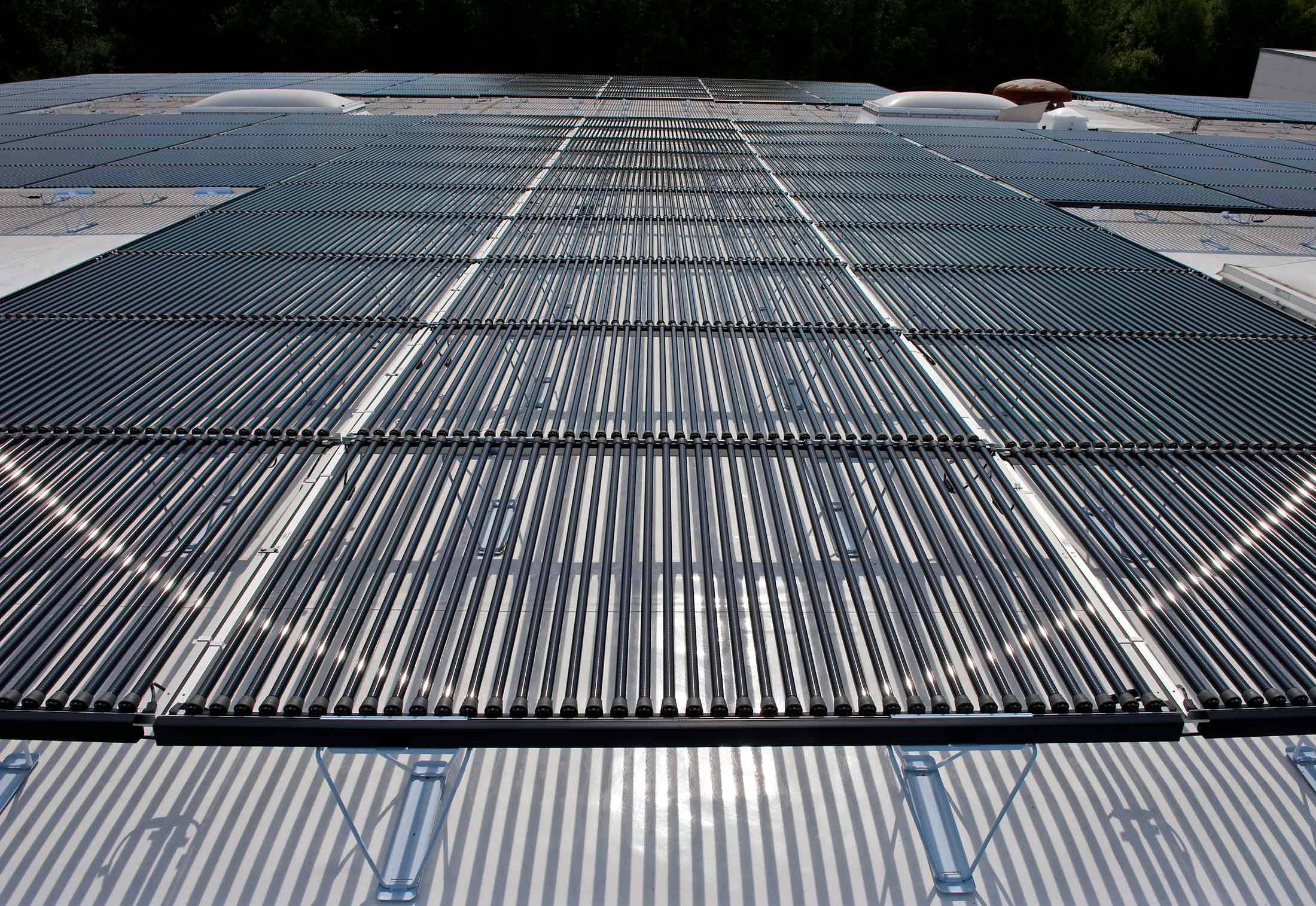 Solyndra Solar With Evalon Roofing Membranes By Alwitra Stylepark