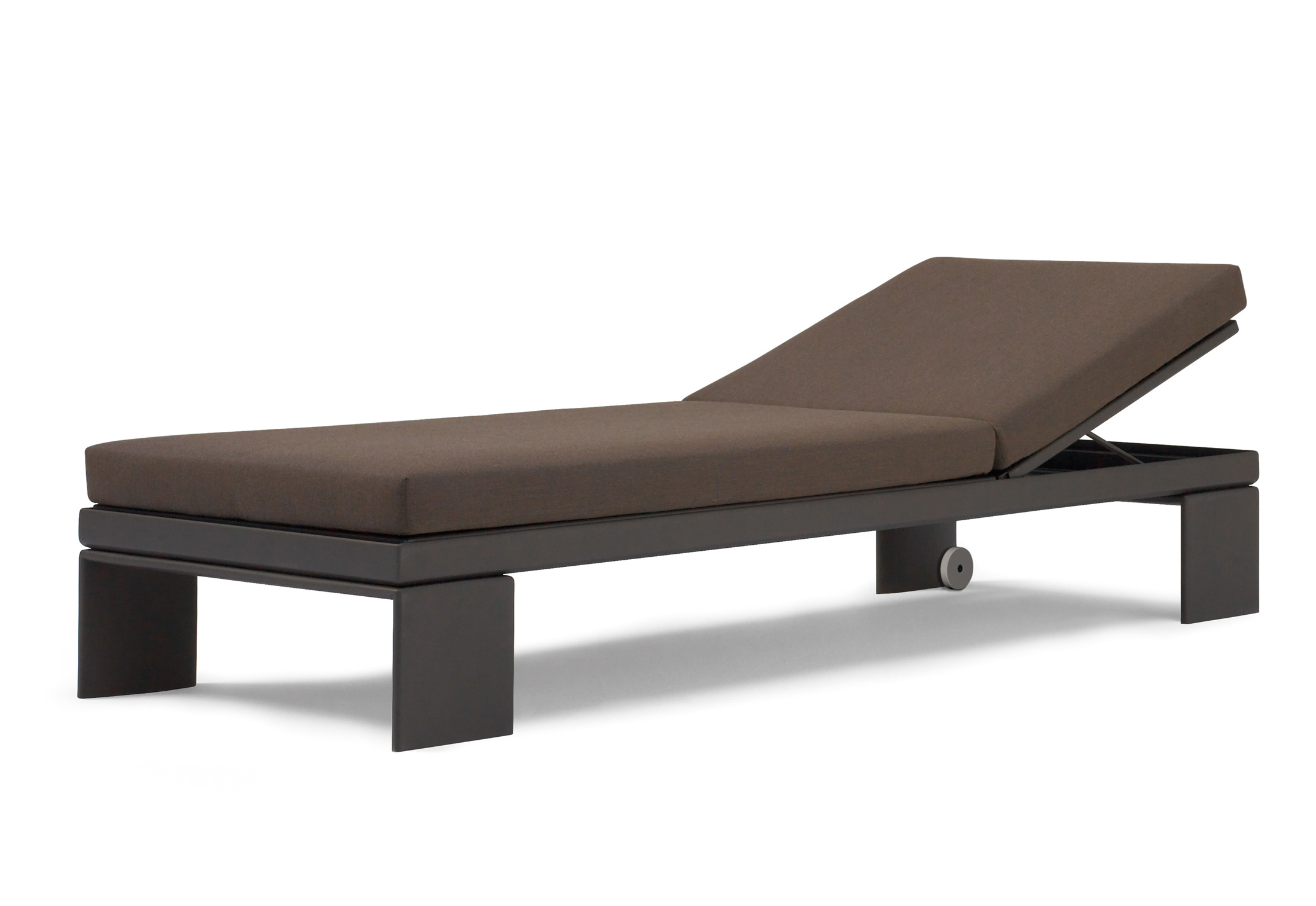 Landscape alu chaise longue by andreu world stylepark for Chaise longue textilene alu