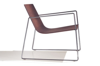 Lineal armchair with armrests  by  Andreu World