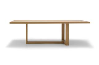 Tao Tisch  von  Andreu World