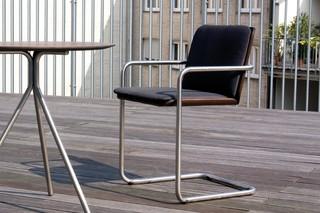 Breeze  von  April Furniture
