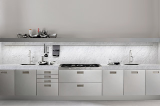 Italia 3  by  Arclinea