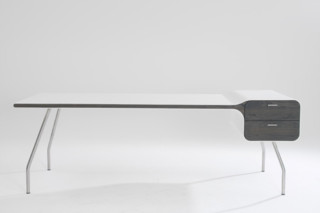Icon Desk  by  Arco