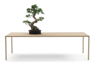 Slim-Table  by  Arco
