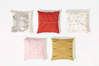 Cushions  by  Arper
