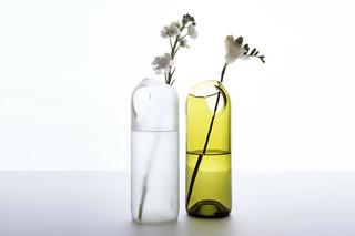 Two Hole Vase  von  Artecnica