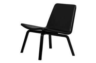 Lento Lounge upholstered  by  Artek