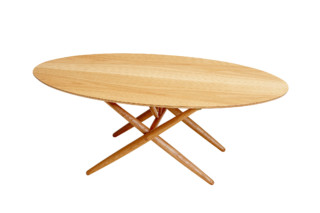 Ovalette Table  von  Artek