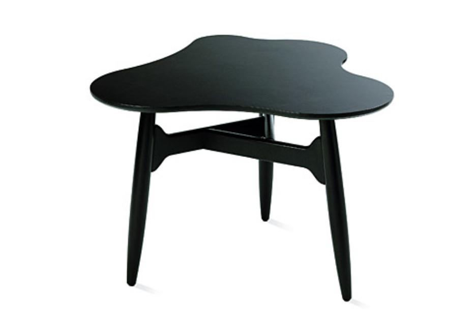 Tee-Tee Table