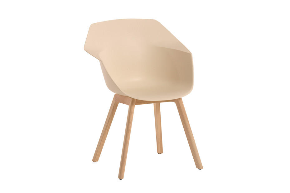 Wila with wooden legs