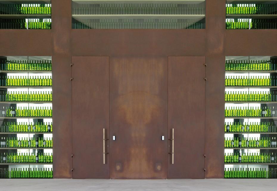 Hauseingangstür, Weinkeller Manicor