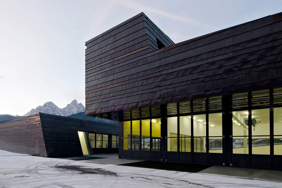 Falt- und Schiebetor, Zivilschutzzentrum, Innichen