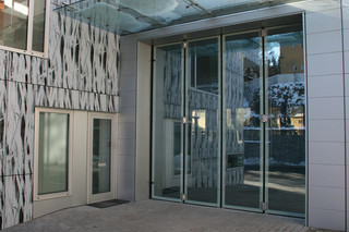 Folding Door, Glaszentrum Seyr, Bruneck  by  Auroport