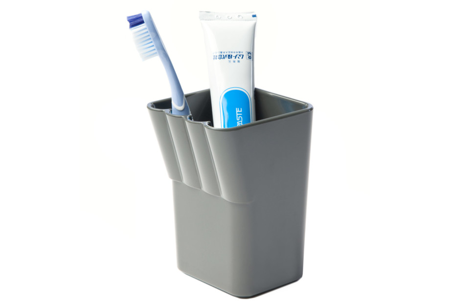 Kali toothbrush tumbler