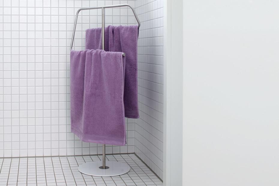 Kali towel stand