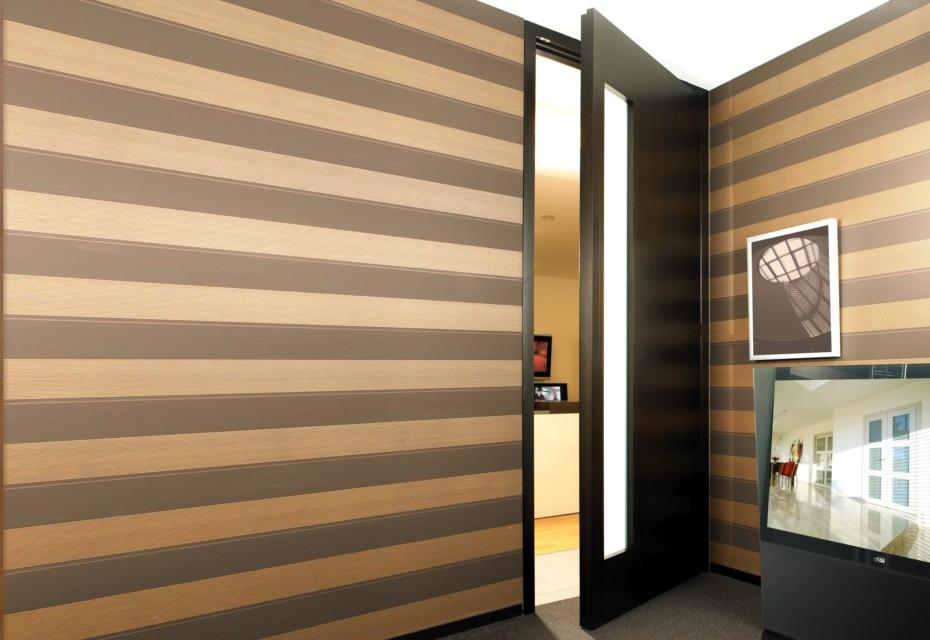 Ceiling high door-element