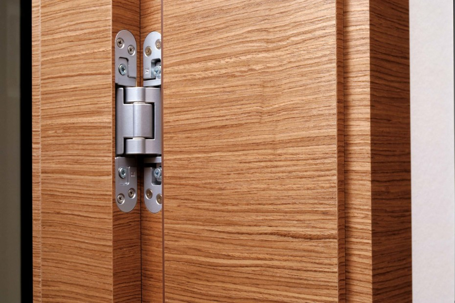 Ceiling high door walnut