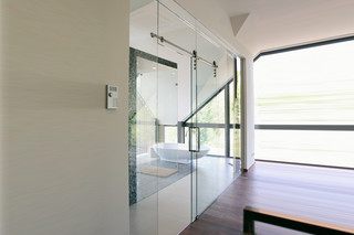 Glass-element/Sliding door  by  Bartels