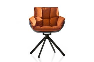 HUSK Stuhl mit Fußkreuz  von  B&B Italia