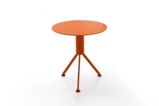 HUSK Outdoor side table  by  B&B Italia