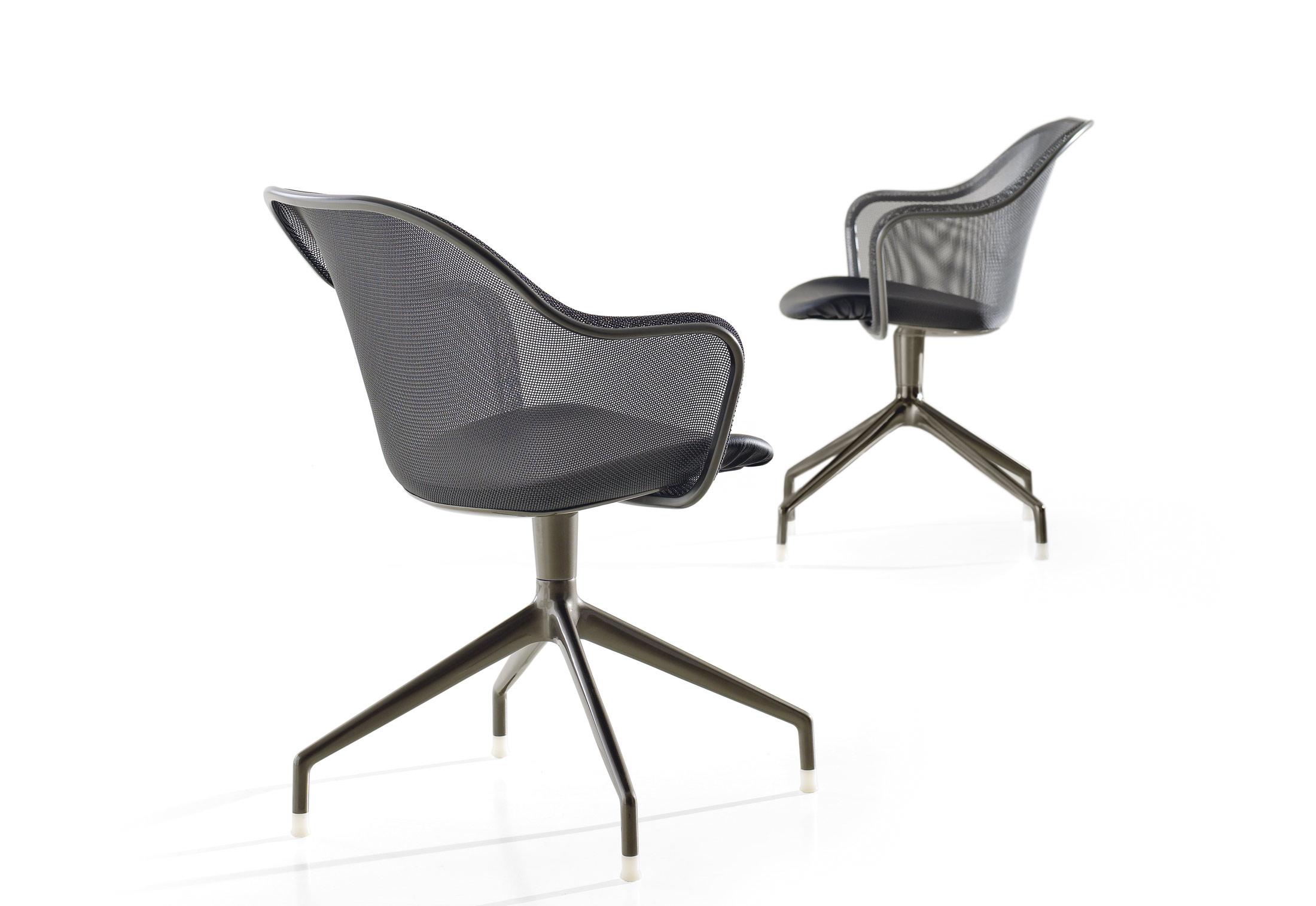 iuta stuhl mit armlehnen von b b italia stylepark. Black Bedroom Furniture Sets. Home Design Ideas